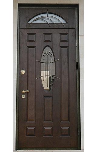 входная дверь со стеклом на верху
